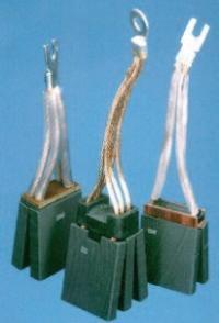 通電的碳刷叫電刷,電